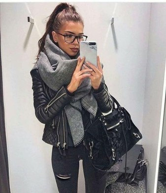 Pretty Winter Outfits Ideas Black Leather Jacket17