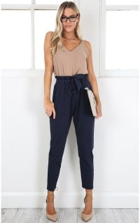 Pretty Winter Outfits Ideas High Waisted Pants04
