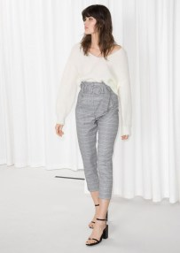 Pretty Winter Outfits Ideas High Waisted Pants10