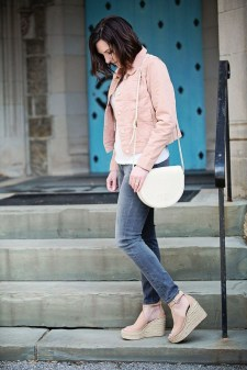 Stunning Spring Outfit Ideas With Wedges33