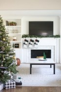 Affordable Winter Christmas Decorations Ideas05