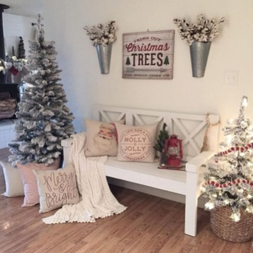 Affordable Winter Christmas Decorations Ideas33