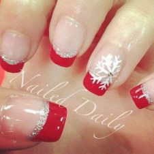 Astonishing Christmas Nail Design Ideas For Pretty Women21