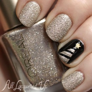 Astonishing Christmas Nail Design Ideas For Pretty Women28