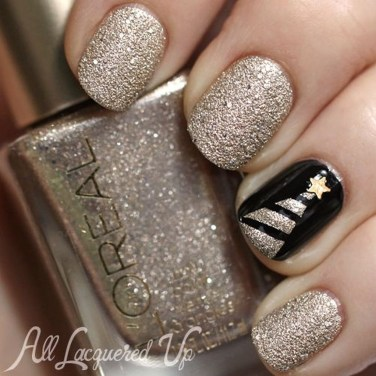 Astonishing Christmas Nail Design Ideas For Pretty Women28