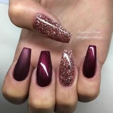 Astonishing Christmas Nail Design Ideas For Pretty Women33