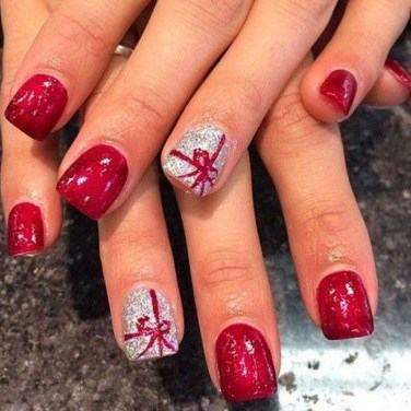 Astonishing Christmas Nail Design Ideas For Pretty Women39