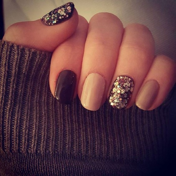 Astonishing Christmas Nail Design Ideas For Pretty Women44