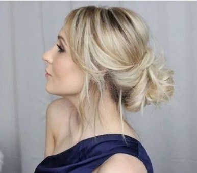 Casual Christmas Updos Ideas03