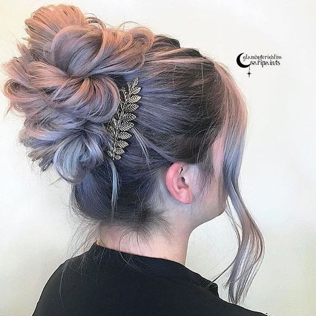 Casual Christmas Updos Ideas30