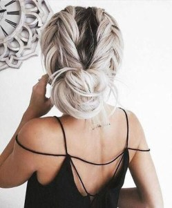 Casual Christmas Updos Ideas35