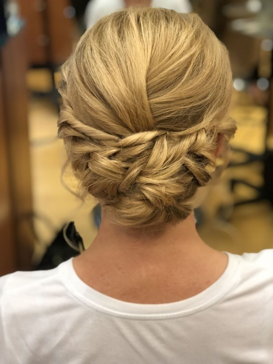 Casual Christmas Updos Ideas45