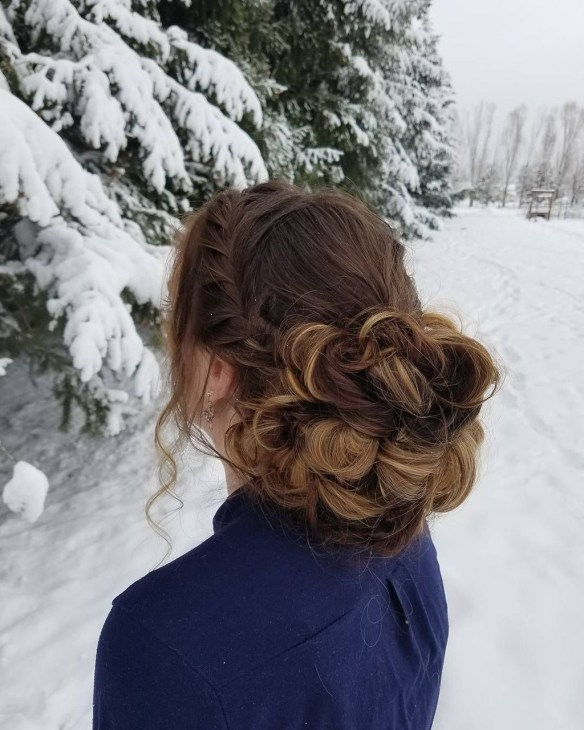 Casual Christmas Updos Ideas46