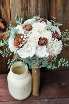 Casual Winter White Bouquet Ideas33