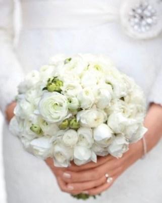 Casual Winter White Bouquet Ideas34