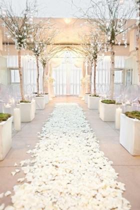 Classy Winter Wedding Ideas16