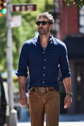 Cozy Plaid Shirt Outfit Christmas Ideas For Handsome Mens25