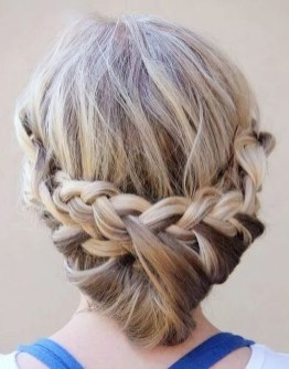 Cute Christmas Braided Hairstyles Ideas06