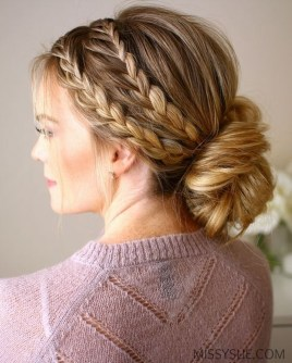 Cute Christmas Braided Hairstyles Ideas08