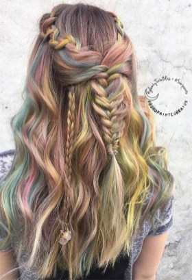 Cute Christmas Braided Hairstyles Ideas24