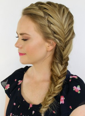 Cute Christmas Braided Hairstyles Ideas27