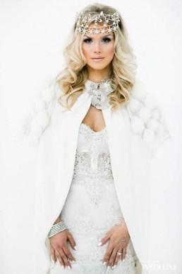 Fabulous Winter Wonderland Wedding Dresses Ideas09