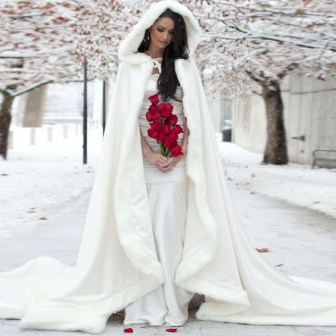 Fabulous Winter Wonderland Wedding Dresses Ideas15