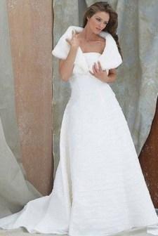 Fabulous Winter Wonderland Wedding Dresses Ideas17