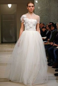 Fabulous Winter Wonderland Wedding Dresses Ideas18