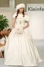 Fabulous Winter Wonderland Wedding Dresses Ideas23