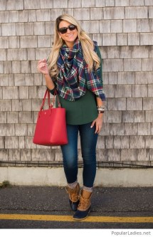 Incredible Holiday Style Christmas Outfit Ideas10