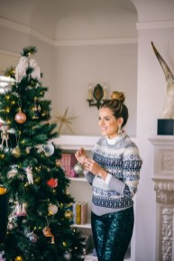 Incredible Holiday Style Christmas Outfit Ideas23
