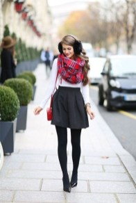 Incredible Holiday Style Christmas Outfit Ideas30
