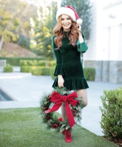Incredible Holiday Style Christmas Outfit Ideas32