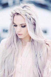 Latest Winter Hairstyle Ideas05