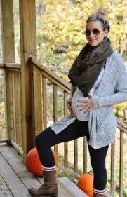 Lovely Maternity Winter Outfits Ideas10