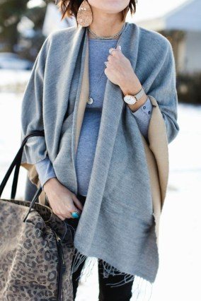 Lovely Maternity Winter Outfits Ideas18