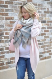 Lovely Maternity Winter Outfits Ideas20