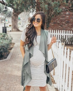Lovely Maternity Winter Outfits Ideas21