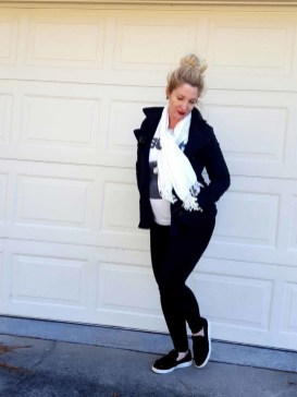 Lovely Maternity Winter Outfits Ideas33