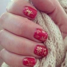 Modern Christmas Nails Ideas19