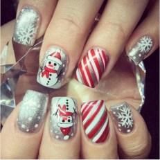 Modern Christmas Nails Ideas23