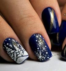 Modern Christmas Nails Ideas32