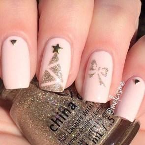 Modern Christmas Nails Ideas46