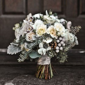 Modern Rustic Winter Wedding Flowers Ideas05