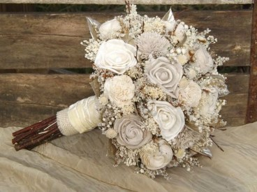 Modern Rustic Winter Wedding Flowers Ideas21