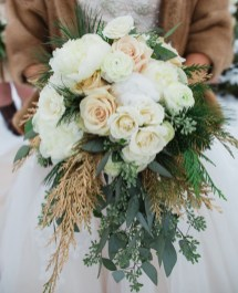 Modern Rustic Winter Wedding Flowers Ideas30