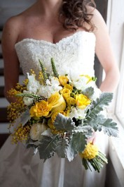 Modern Rustic Winter Wedding Flowers Ideas31