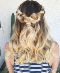Popular Christmas Half Updos Ideas17