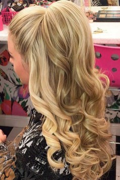 Popular Christmas Half Updos Ideas34